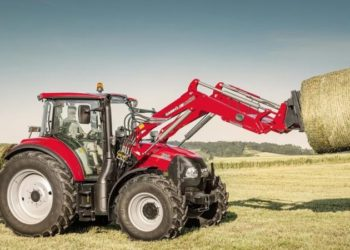 CaseIH_Luxxum_100_front_loader_062016_AT_MG_3894