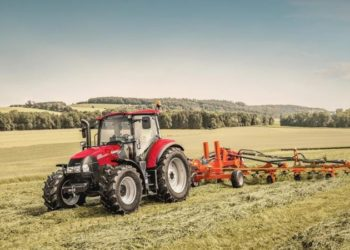 CaseIH_Luxxum_120_tedder_062016_AT_MG_3230